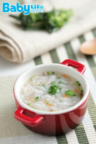 「蔬菜鮮魚寶寶粥」適用8個月以上的寶寶副食品