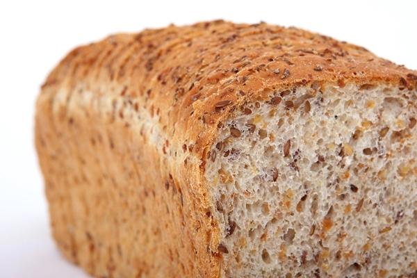 穀物含有豐富的纖維、維生素B群、鐵、鎂、硒幫助長高