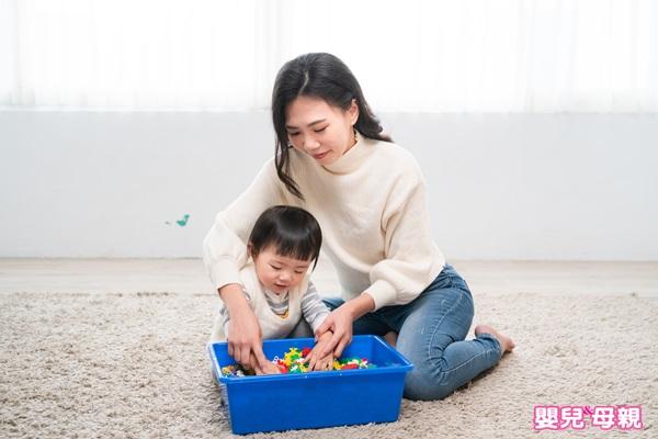 1~2歲感統遊戲:觸覺躲貓貓-2