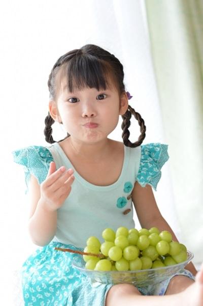 挑選水果時,應盡量以當令水果為主