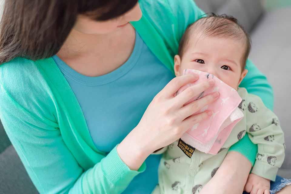兒童鼻腔最常見的出血部位,是位於在鼻部前端,鼻中隔黏膜下層一處名為「利特氏血管叢帶」的網狀血管叢