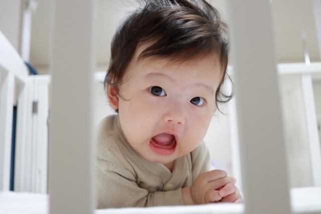當發現孩子語言發展速度比同年齡孩子慢,或是發現孩子2歲還不會講話,或過了3歲還無法表達出完整句子,大部分只會以疊字表達時,這就有語言發展遲緩的疑慮
