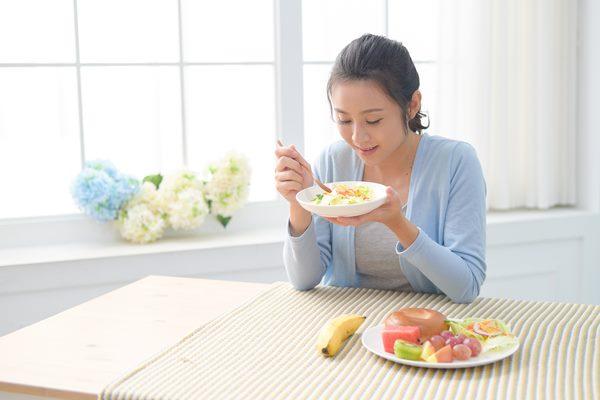 預防李斯特菌,一定要做好手部衛生及避免生食
