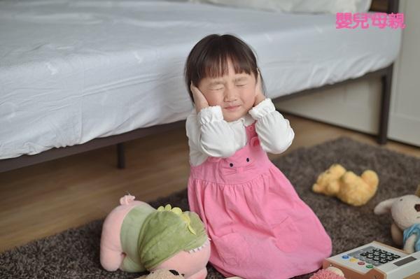 如何察覺寶寶是單純感冒或是併發中耳炎?