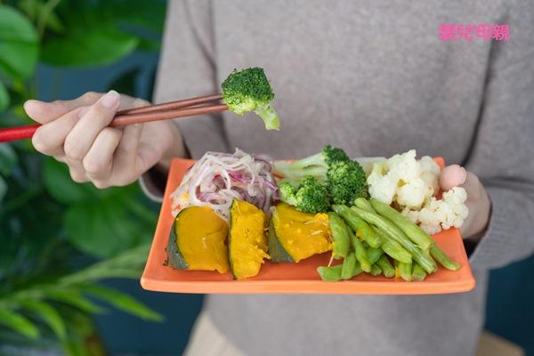 素食者在主食的選擇上,建議採「蛋白質互補方法」