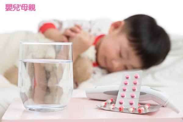 傷寒是由「傷寒桿菌」引起之腸胃道傳染病,潛伏期約8至14天(可由3至60天不等),感染後1週至恢復期皆具傳染力。