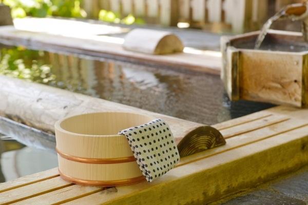 泡溫泉:建議飯後至少1.5~2小時再泡湯。