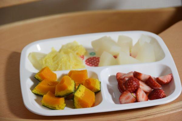 水果切片或做成沙拉,方便攜帶食用