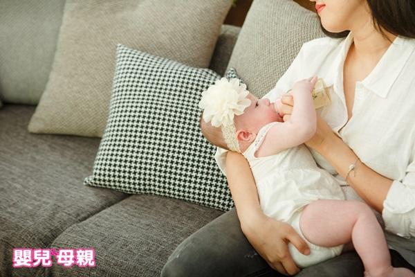 寶寶只愛喝奶,不愛吃副食品,怎麼辦?
