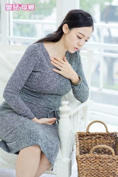 出現以下4個任何一種狀況,就可能有妊娠劇吐症,務必盡速前往醫院就診。