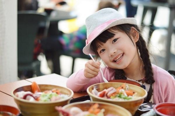 孕婦、小孩不適合吃生魚片
