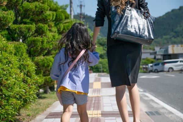 職場媽咪應該要做自己喜歡的工作,並且為自己而工作,別想著工作是為了錢或小孩。
