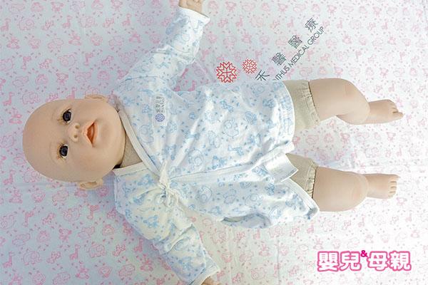 常讓寶寶換邊睡可讓頭型漂亮-正躺仰睡