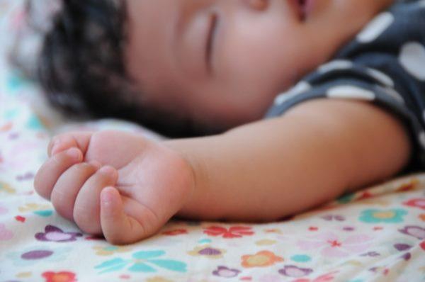 寶寶的神經系統發展未完全,感染日本腦炎後可能出現語言認知功能障礙、影響智力發展等後遺症。