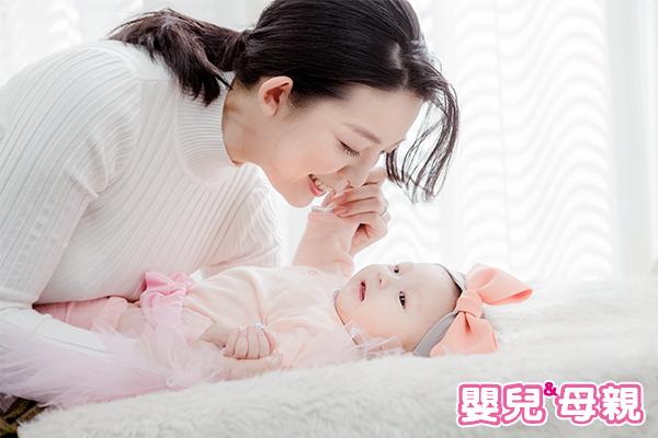 可看一些寶寶的照片和影片,對擠出更多奶量有所助益。