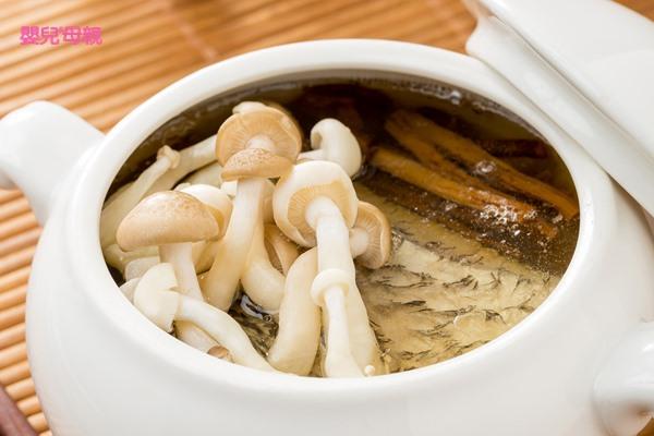 提升免疫力、防治水腫,低膽固醇的「雙菇鱸魚清湯」