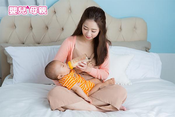 發燒時精神好不好,其實每個寶寶都不一定