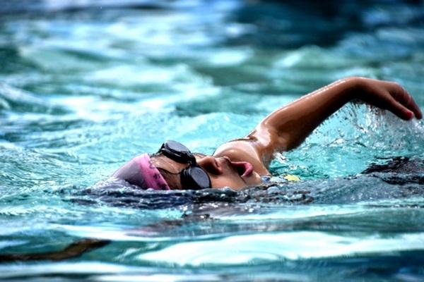 最不傷膝蓋的運動是游泳