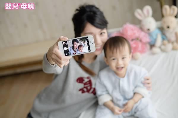 看看社群上的其他媽媽,為什麼他們好像總是過得那麼快樂?