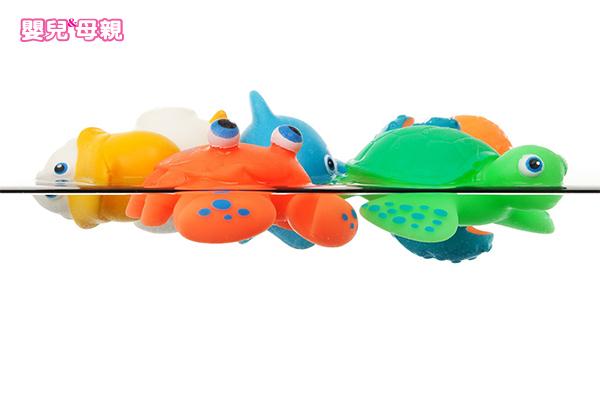 不只水寶寶,市面上不少玩具也暗藏危機