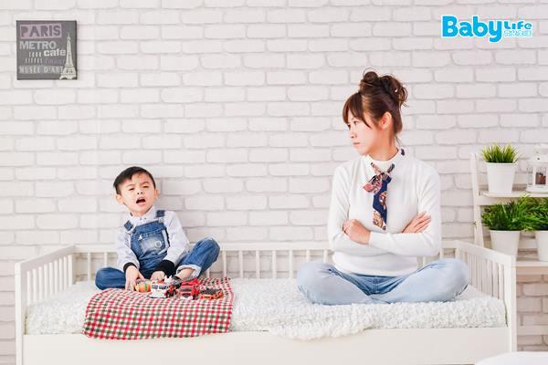 有的家長怕管教孩子會給孩子留下心裡的陰影,其實是多慮了,只要正常訓誡,孩子並沒有那麼脆弱,有玻璃心的,常常是父母。