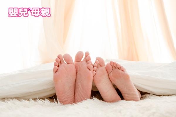 外遇徵兆:夫妻倆很久沒有發生性行為了,即使自己多次主動討愛,往往會被對方推開。