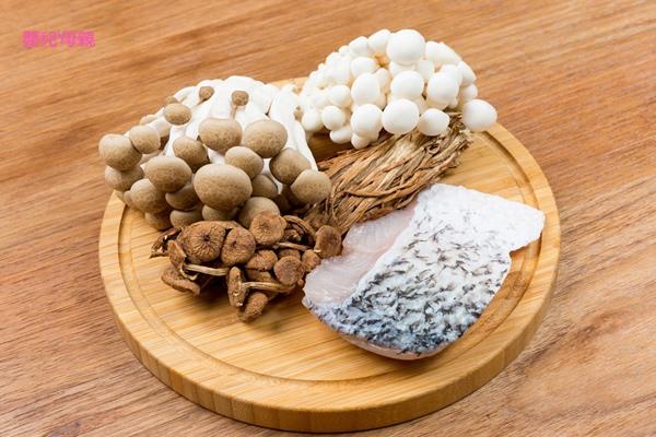 提升免疫力、防治水腫,低膽固醇的「雙菇鱸魚清湯」食材