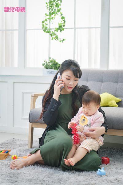 對職場媽媽們來說,想維持工作及家庭生活的平衡,真的很難!因此也8成的媽媽表示,「曾經有過」改當「全職媽媽」的念頭。