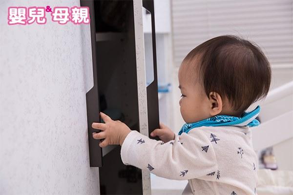 嬰幼兒在家中最容易被壓傷,記住居家安全「1不4要」
