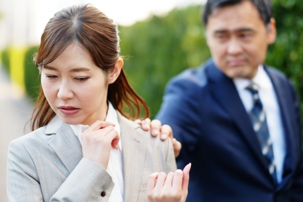 對受害者而言,職場性騷擾是煎熬的,因為對方可能是主管或同事