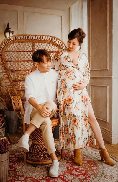 許仁杰與妻子亞希的絕美孕婦寫真