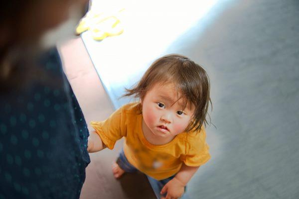 孩子是害羞,不是媽媽不會教