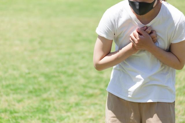 「隱形缺氧」的定義即為病人的血氧飽和度水平低於預期的飽和度(病人的血氧飽和度是50~80%,而預期的血氧飽和度為95%或更高),但是該病人卻沒有任何呼吸困難。