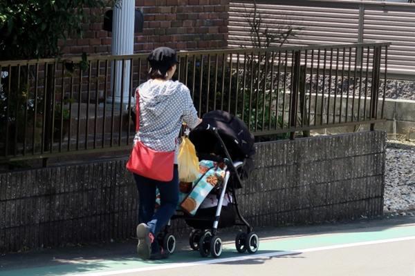 台中南屯市場白天人潮多,竟在光天化日之下發生擄童事件!