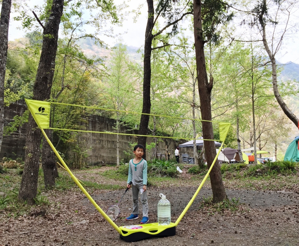 10大親子露營遊戲:打羽球