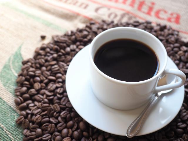 愛喝黑咖啡的人喜歡簡單的口感,特別是苦澀回甘的口感,個性上相對獨斷一點。