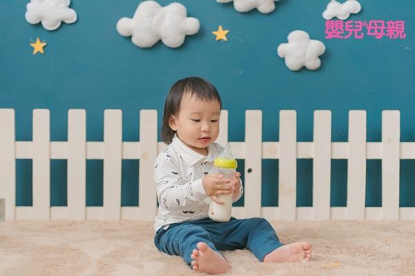 嬰兒喝奶時間:
