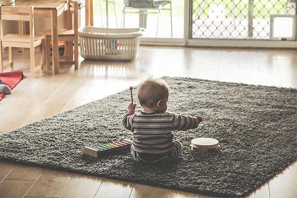 跟寶寶遊戲引導寶寶講話