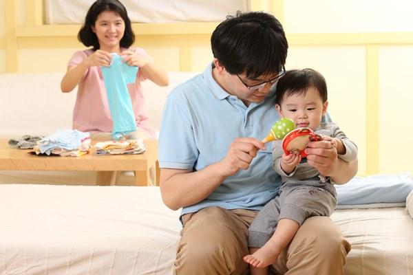 9成爸爸育兒感到幸福,享受「當爸爸」的成就感