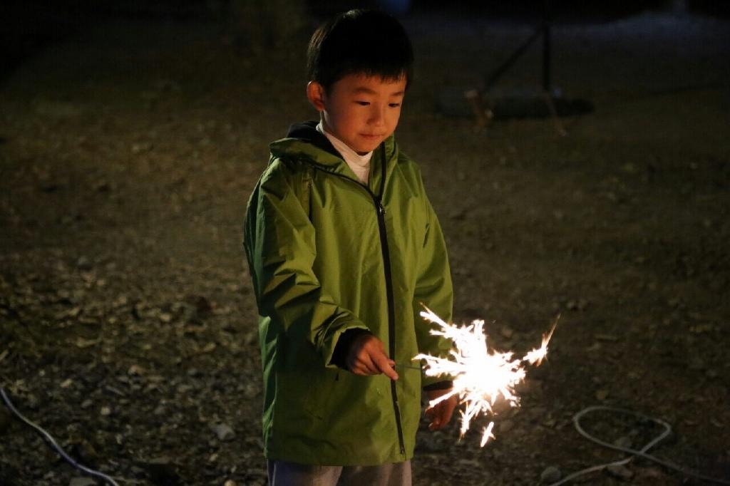 10大親子露營遊戲:仙女棒