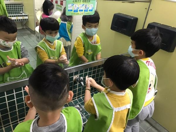 呼籲家長,孩子感染腸病毒務必在家休息