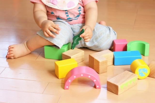 玩具太多反而會減少孩子發展創造和想像力的機會,減少玩具對孩子培養專注力有很大的幫助