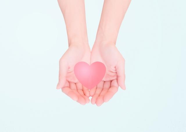 預防心血管疾病的王道,就是落實護心行動於日常生活中,保持涼爽、健康飲食,適量多次飲水、居家也要規律運動、向菸說不、控制三高。