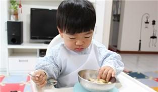 【育兒分享】掌握最佳時機!讓寶貝輕鬆學習自行用餐