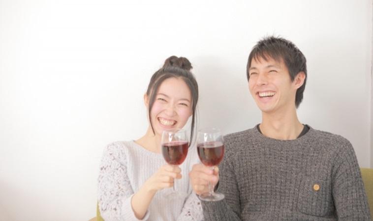 夫妻一起喝酒更幸福!研究發現:可降低離婚率