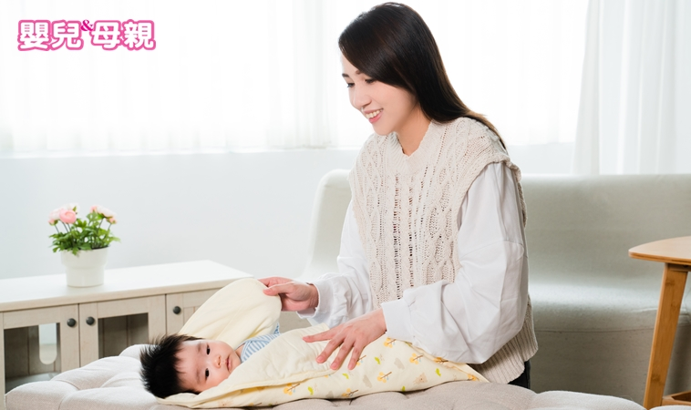 包巾包法、哄睡祕技大公開!嬰兒室護理長教你正確安撫寶寶