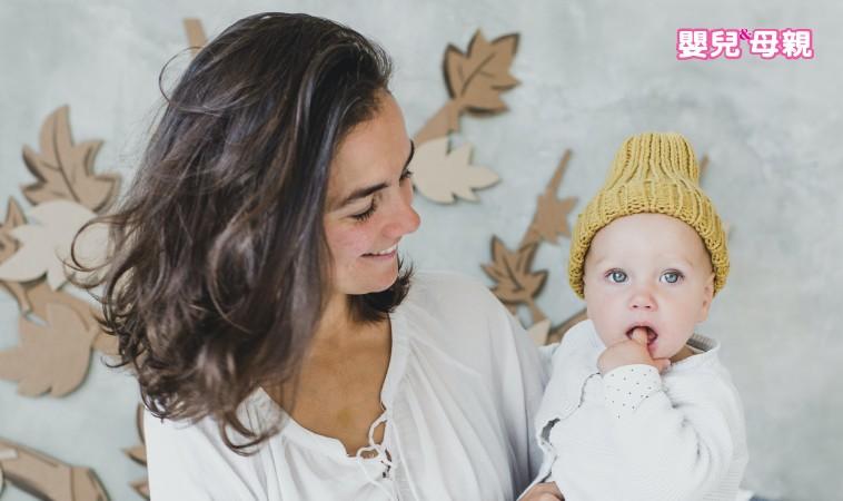 寶寶溢吐奶原因及照護方式