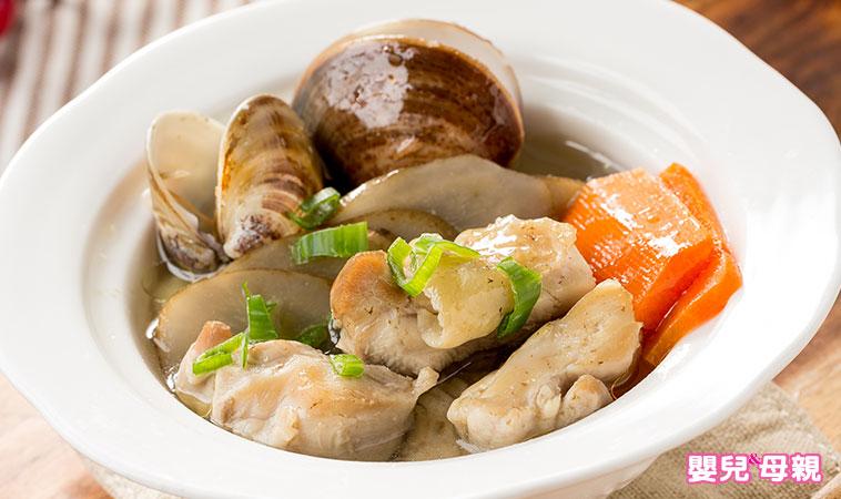 營養師把關輕鬆料理,產後這樣補:牛蒡蛤蠣雞湯