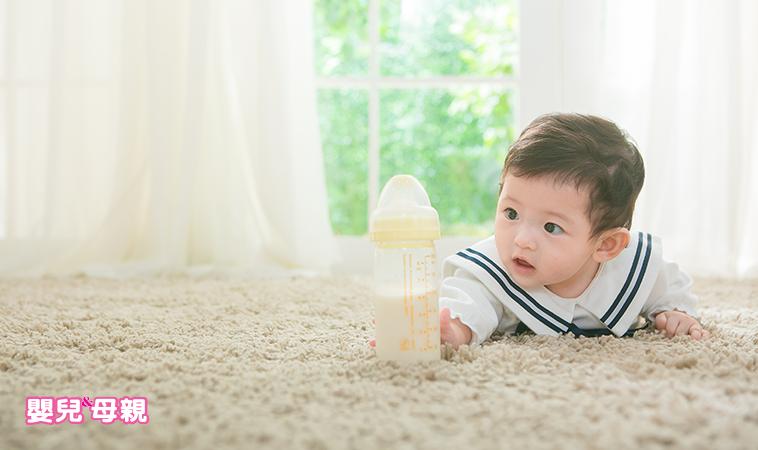 合作‧ 模仿‧ 依附‧ 同理心,當寶寶邁出社會化的第一步…