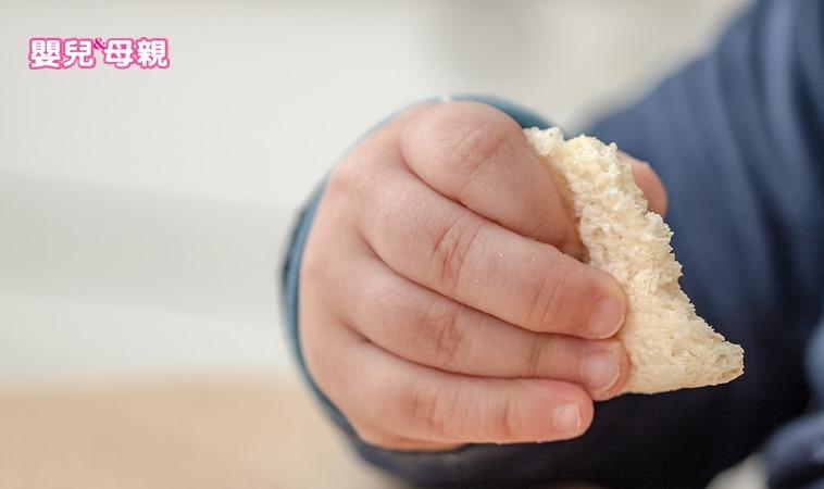 標榜「無糖」的寶寶點心,很可能是造成蛀牙的元兇之一!